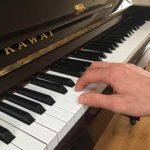 piano playing hand position image
